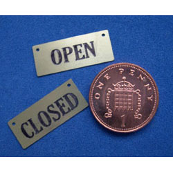 2 tiny Brass OPEN / CLOSED - Black