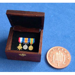 3 WW1 Medals in a Wooden Box