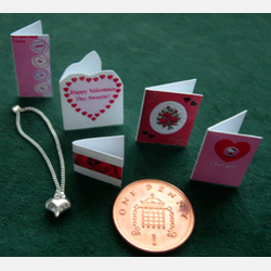 5 Valentine Cards with a Silver Heart on a Fine Silver Chain