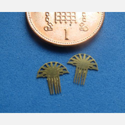 2 FAN Combs - Brass