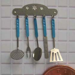 1/24th Scale Kitchen Utensils Kit - Blue Handles