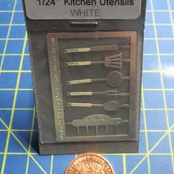 1/24th Scale  kitchen Utensils Kit - White Handles