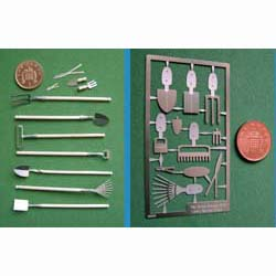1/24th Scale Garden Tools Kit