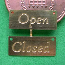 1/24th Scale Open/Closed Signs