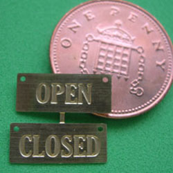 1/24th Scale OPEN/CLOSED Sign