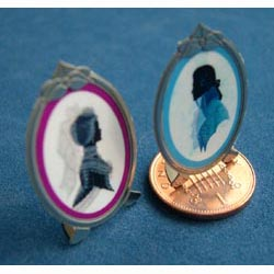 Pair of Silhouettes in Oval Frames