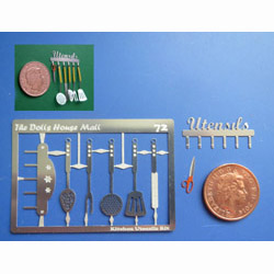 "Kitchen ""Utensils"" Rack with tools Kit"