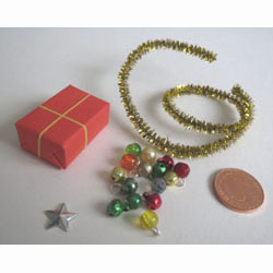 15 Christmas Tree Baubles + Star + Garland + Gift